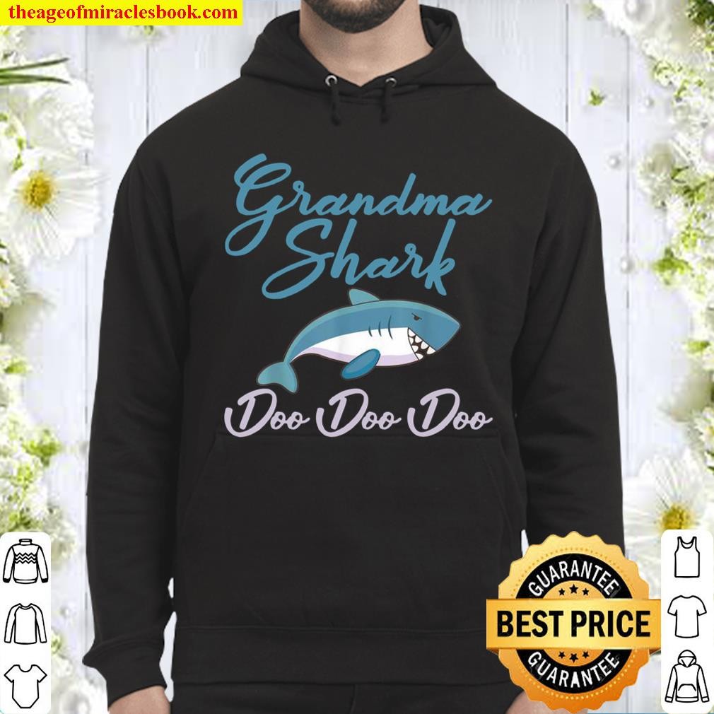 Funny Grandma Shark Mothers Day Design For Granny Hoodie
