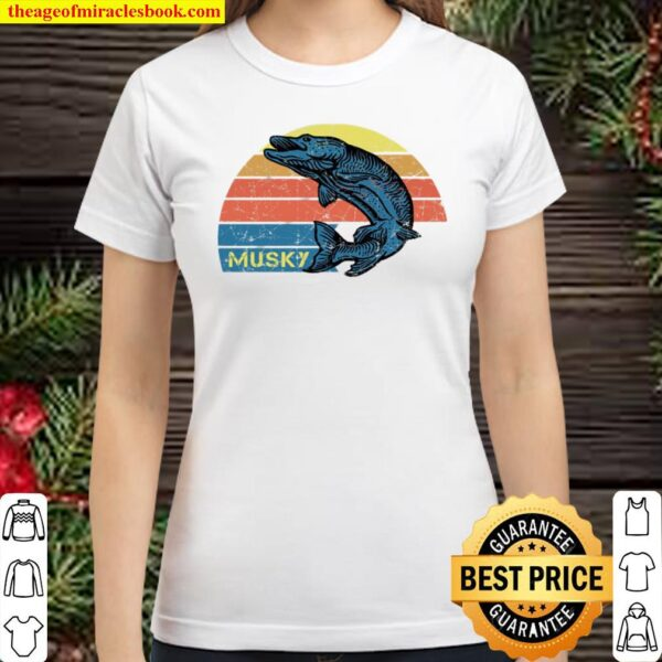 Retro Musky Fishing With A Vintage Musky Design Classic Women T-Shirt