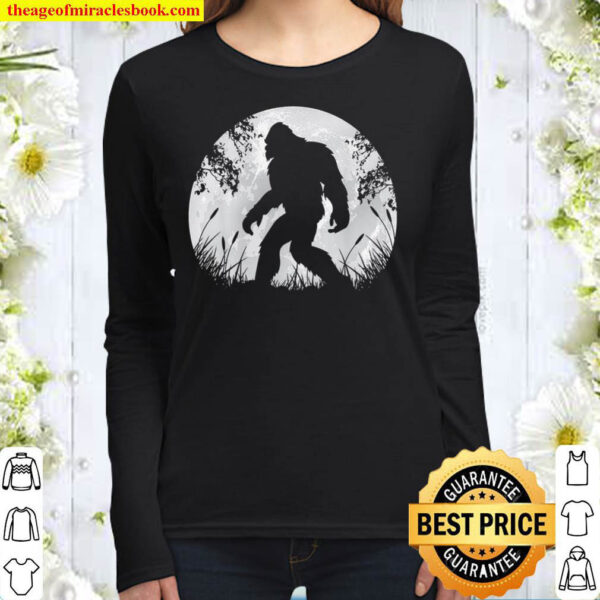 Bigfoot Hiding in Forest Women Long Sleeved