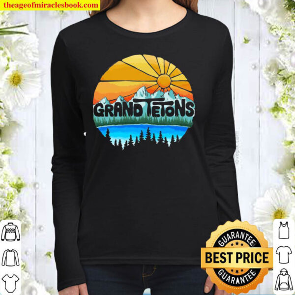 Grand Tetons National Park Graphic Vintage Style Pullover Women Long Sleeved